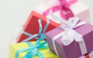 Rêver de cadeau d'anniversaire