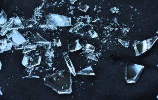 Rêver de casser du verre