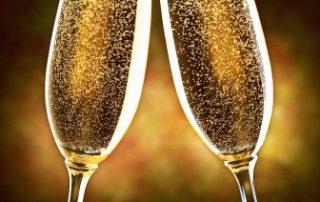 Rêver de trinquer avec du champagne