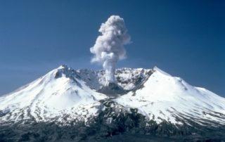 Rêver de volcan en éruption