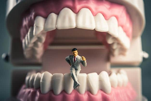 Rêver de dents qui tombent et son interprétation: