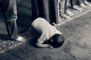 Rêver de prier et son interprétation: